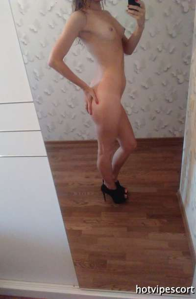 ulyssa  pleasant  Cuban  massage  in oil  compulsory  receive and move. 29  years /   Pictures