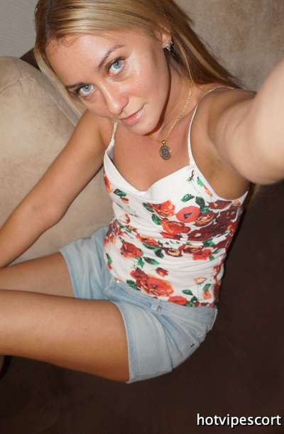 Hi this is lucasta I am 22 years old I am  everything  naughty and I move  notwithstanding  and only on Étampes. 22  years /   Pictures